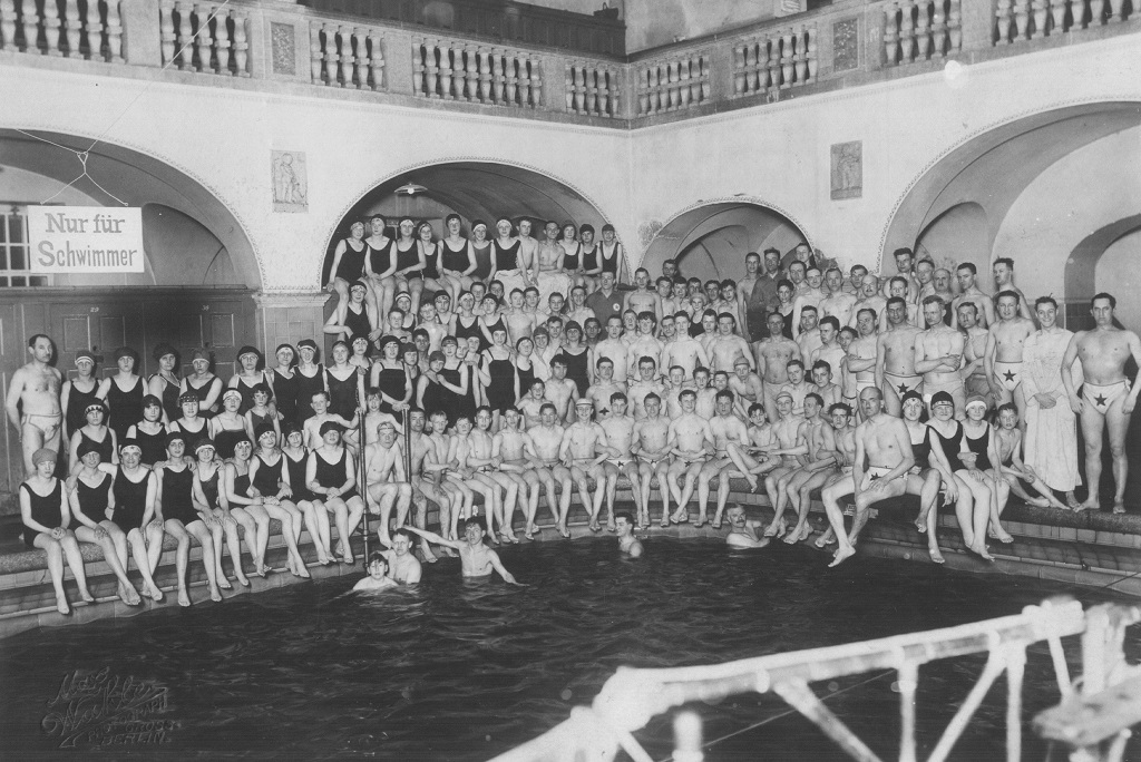Berlin deaf-mute swimming-club