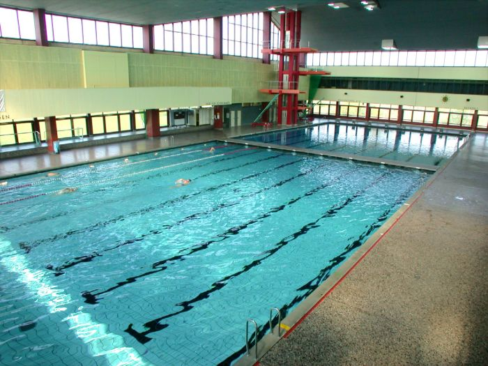 Sports and teaching swimming hall Berlin Schöneberg